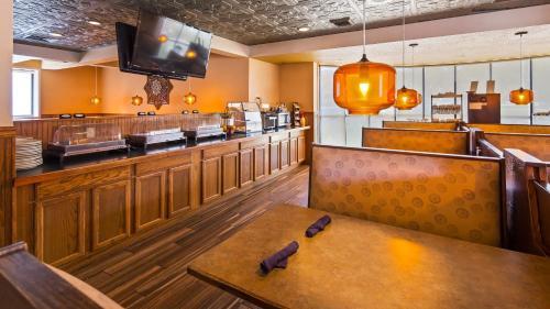 Baymont Inn & Suites By Wyndham Groton-mystic - Groton, CT 06340