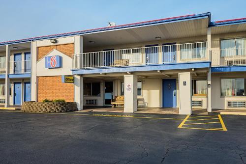 Motel 6 Buckeye Lake Photo