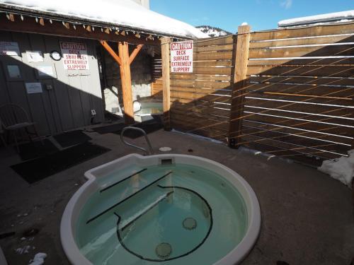 Apex Mountain Inn Suite 401 Condo