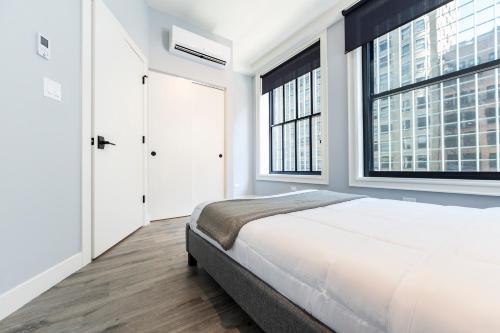 Rose Apartment - Chicago, IL 60605
