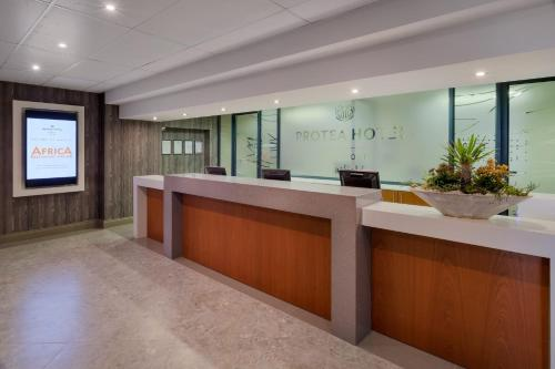 Protea Hotel by Marriott Pretoria Hatfield Photo