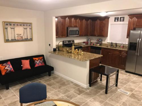 Welcome To Our Spacious Holiday Home! - Atlanta, GA 30331