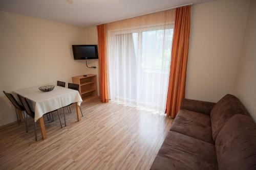 Auto Kühlschrank Hofer : A hotel apparthaus hofer wohnung zell am ziller