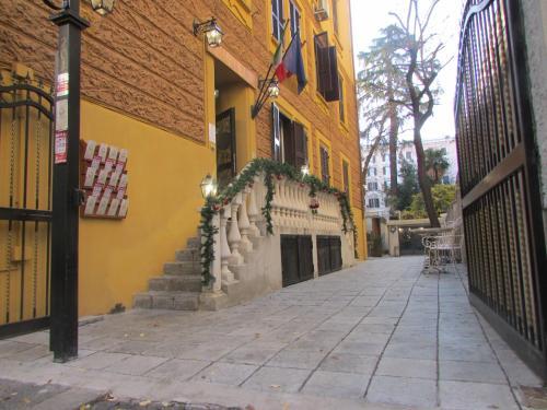Vatican Garden Inn photo 1