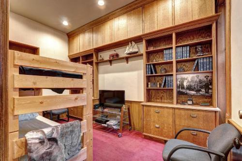Curry-chucovich House - Denver, CO 80202