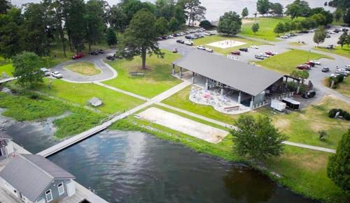 Lake Blackshear Resort And Golf Club - Cordele, GA 31015