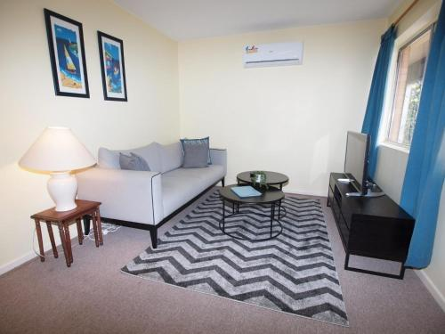 Unit 1 - Glen Alvie Apartments