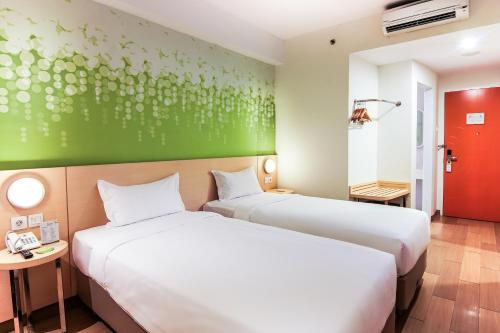 Zest Hotel Harbour Bay Batam photo 18