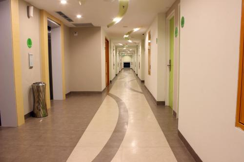 Zest Hotel Harbour Bay Batam photo 22
