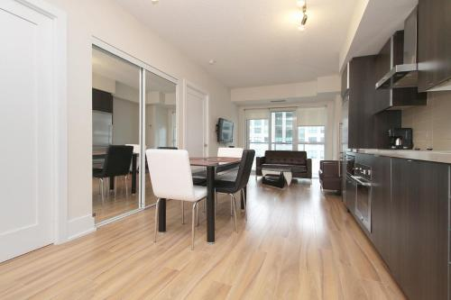 Napa Furnished Suites Entertainment District - Toronto, ON M5V 0E9