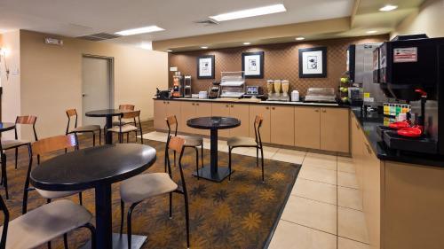 Best Western Plus Inn & Conference Center - Du Bois, PA 15801