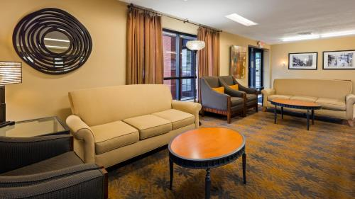 Best Western Inn & Conference Center Photo