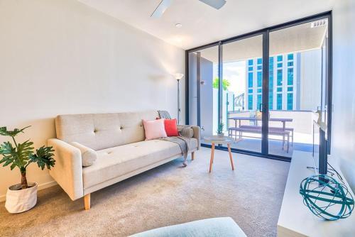 Brand New Apartment + Infinity Pool
