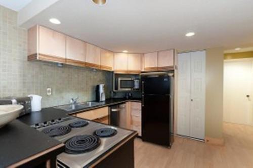 House On Dunbar B&b - Vancouver, BC V6S 1G4