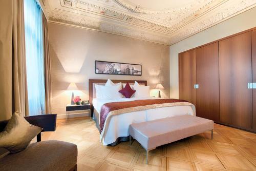 Alden Suite Hotel Splügenschloss Zurich impression