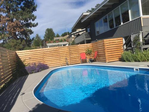 Crazy Quail Vacation Rental House - Penticton, BC V2A 3A7