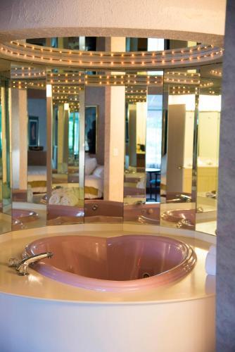 Pocono Palace Resort Photo