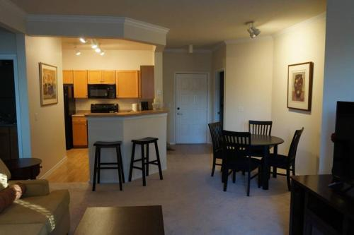2 Bedroom Condo In Eden Prairie