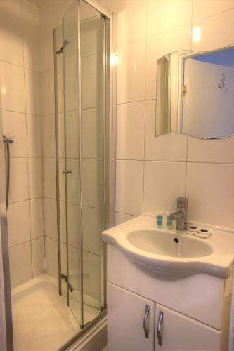 Kilburn Short Stay Apartments photo 31