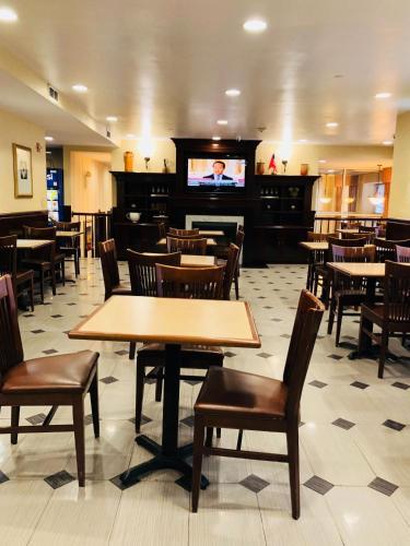 County Inn & Suites Long Island City Photo