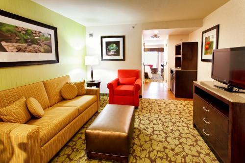 Hilton Garden Inn New York/Staten Island Photo