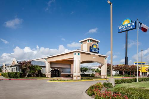 Days Inn & Suites - Corpus Christi Photo