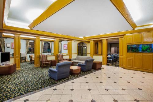 Days Inn & Suites - Corpus Christi Photo