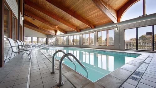 Best Western River Terrace - Cheboygan, MI 49721