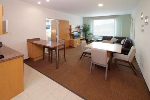 Holiday Inn Express & Suites Irapuato Photo