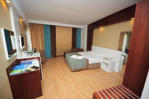 Kizilagac Sea World Resort & Spa rezervasyon