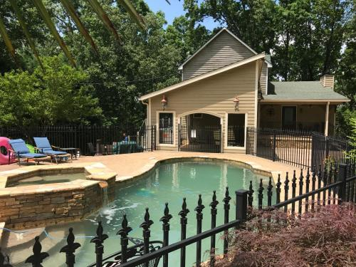 Lake Lanier Pool House - Cumming, GA 30041