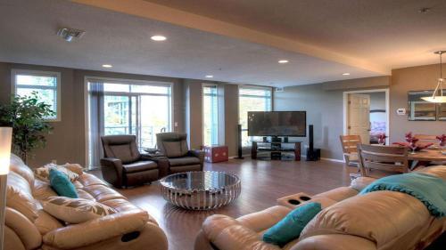 Discovery Bay - Second Floor - Db201 - Kelowna, BC V1Y 9W1