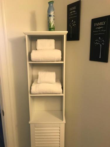Beautiful 2 Bedroom Condo - Halifax, NS B3N 0A9