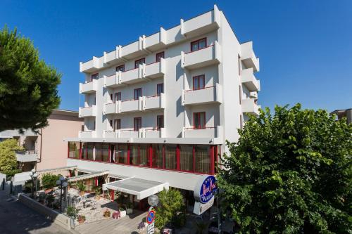 Hotel nobel rimini da 69 volagratis for Bagno 69 rimini