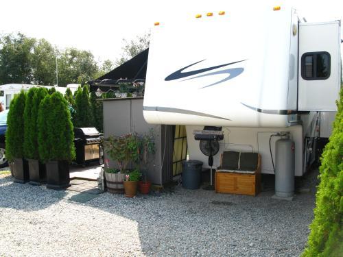 Casa Gregkarona - Surrey, BC V3Z 1E7