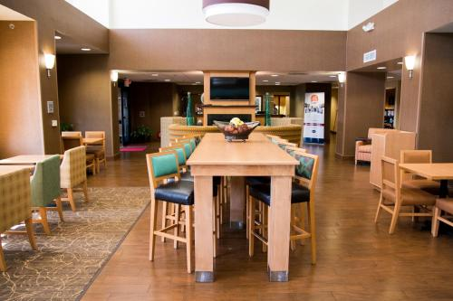 Hampton Inn & Suites Madera in Madera