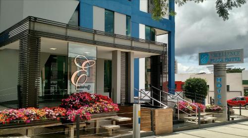Foto de Excellence Plaza Hotel