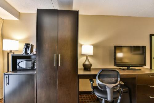 Comfort Inn Windsor - Windsor, ON N9E 1S1