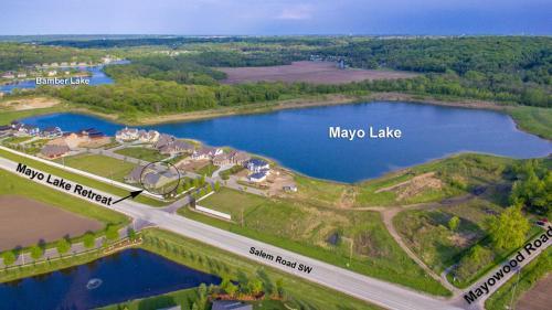 Mayo Lake Retreat - Belle Plaine, MN 56011