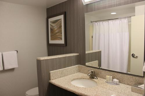 Courtyard By Marriott New Haven At Yale - New Haven, CT 06511