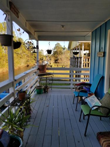 Waterfront Vacation Rental - Bay Saint Louis, MS 39520