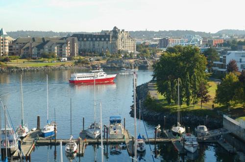 Coast Victoria Hotel And Marina By Apa - Victoria, BC V8V 1V4