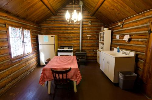 Highlander Cabin - Lead, SD 57754