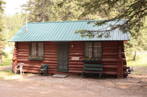 Brookside Cabin