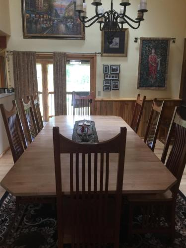 Large Gunnison River Home Sleeps Up To 19 - Gunnison, CO 81230