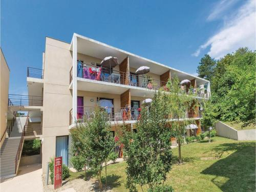 One-bedroom Apartment In Chinon
