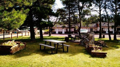 East Glacier Motel And Cabins - East Glacier Park, MT 59434