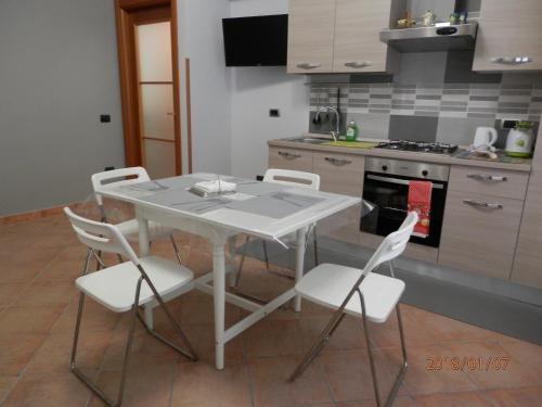 Casa Via Dei Fiorentini Naples SellOffRentalscom Last Minute Deals - Casavia tile