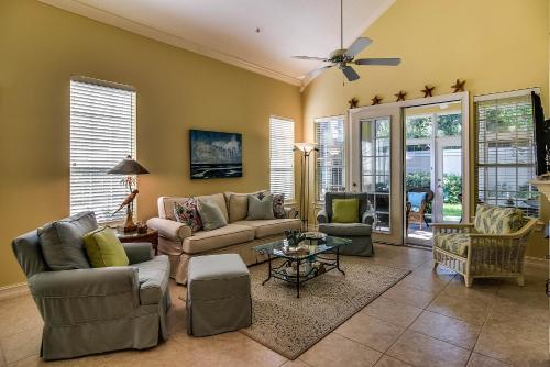 95121 Villa Home