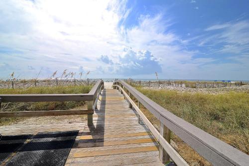 Lighthouse 1406 Condo - Gulf Shores, AL 36542
